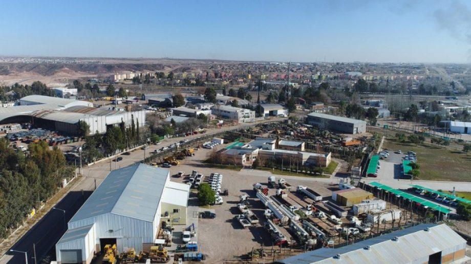 El municipio neuquino planea destinar unas 700 hectáreas en la meseta de la ciudad para ampliar aún más el parque logístico que tiene actualmente. (Foto: gentileza)