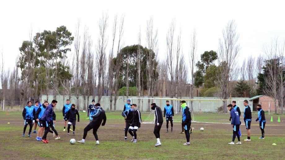 Sol mantuvo su plantel y el lunes volverá a los entrenamientos, con Murúa como entrenador. (Foto: Archivo)