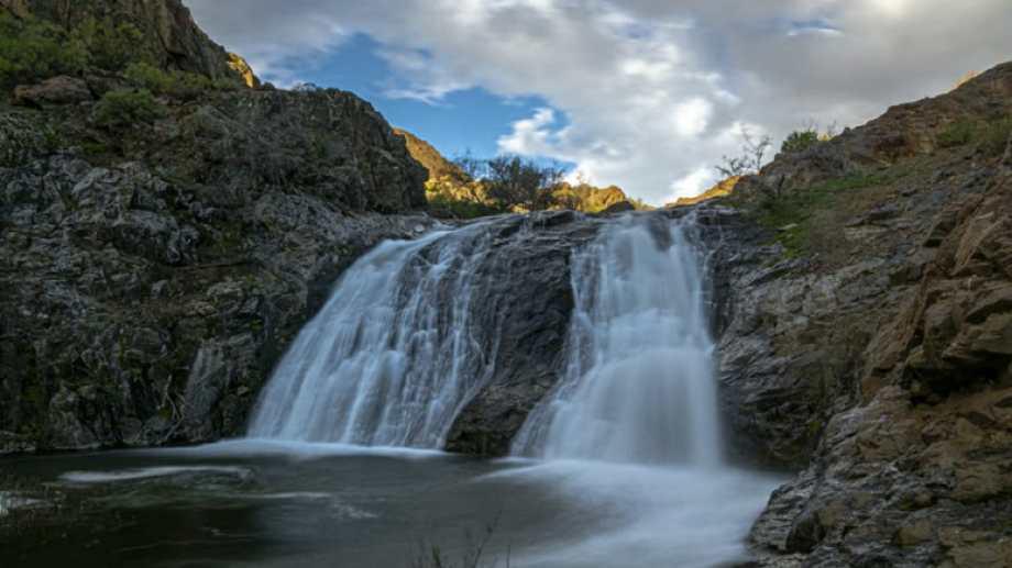 Cascada de un arroyito cerca de Butalón Norte. Fotos de Ricardo Kleine Samson,