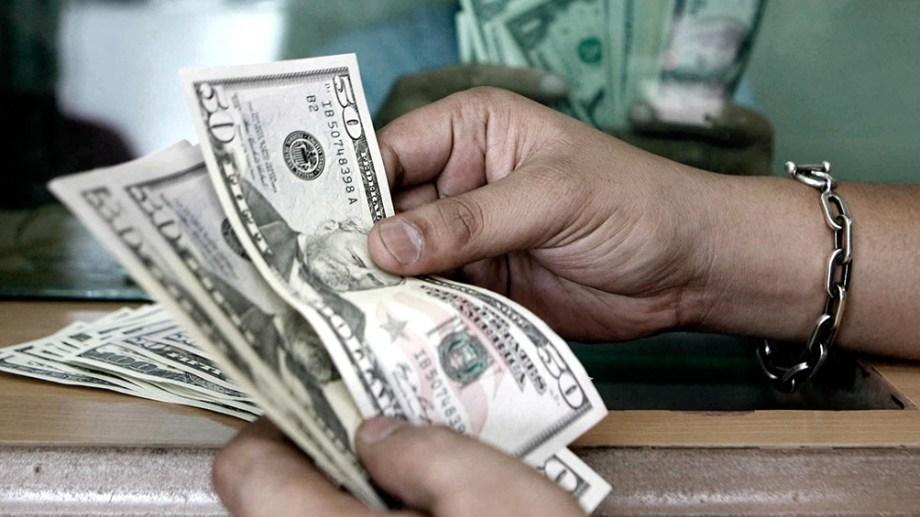 El dólar paralelo repuntó cinco pesos durante la jornada.