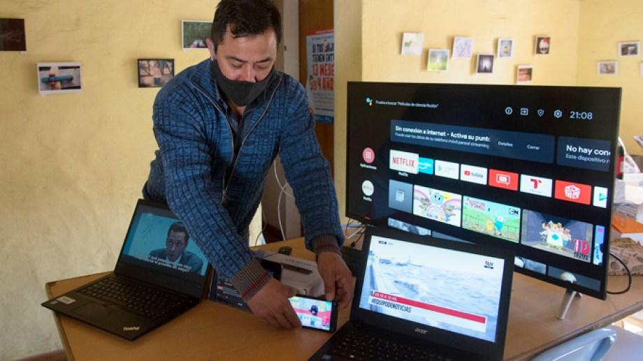 Con la red de fibra óptica en Villa Los Coihues se podrá tener internet y TV con nueva tecnología. Gentileza