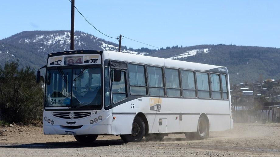 La empresa Mi Bus pidió una revisión tarifaria y quiere que el boleto pase de 41 a 94 pesos. Archivo