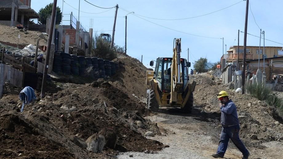 La obra de gas en Nahuel Hue, en Bariloche, se realiza con el programa Promeba. Foto: Alfredo Leiva