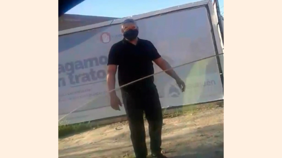 El imputado fue filmado por Rubén Sánchez.  Foto: Captura de video