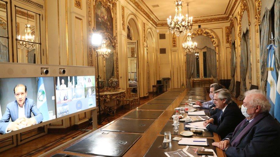 Ayer, el presidente Alberto Fernández mantuvo una reunión virtual con gobernadores. (Gentileza).-