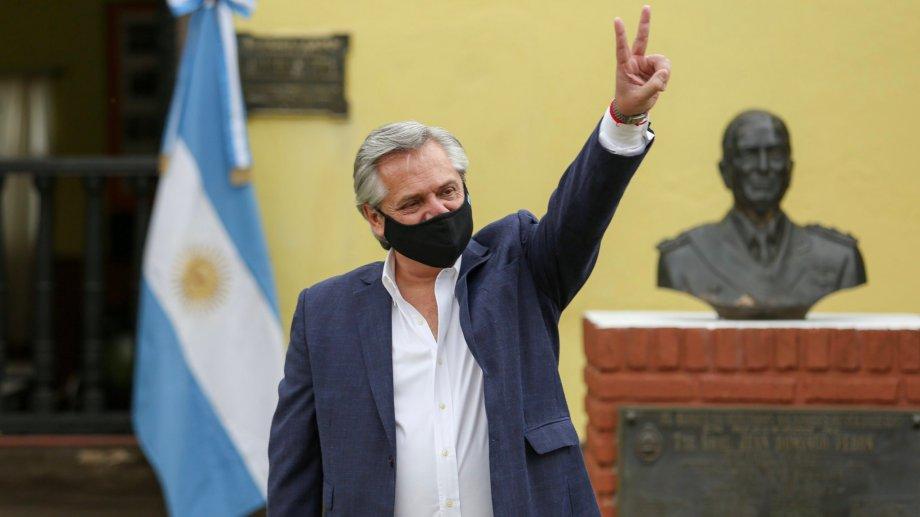 El presidente participó del acto en la sede de la CGT. (Foto: @alferdez)