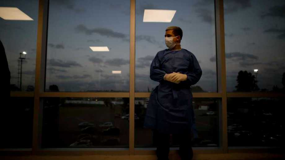 Los hospitales porteños afrontan una descompresión después de la baja de casos,