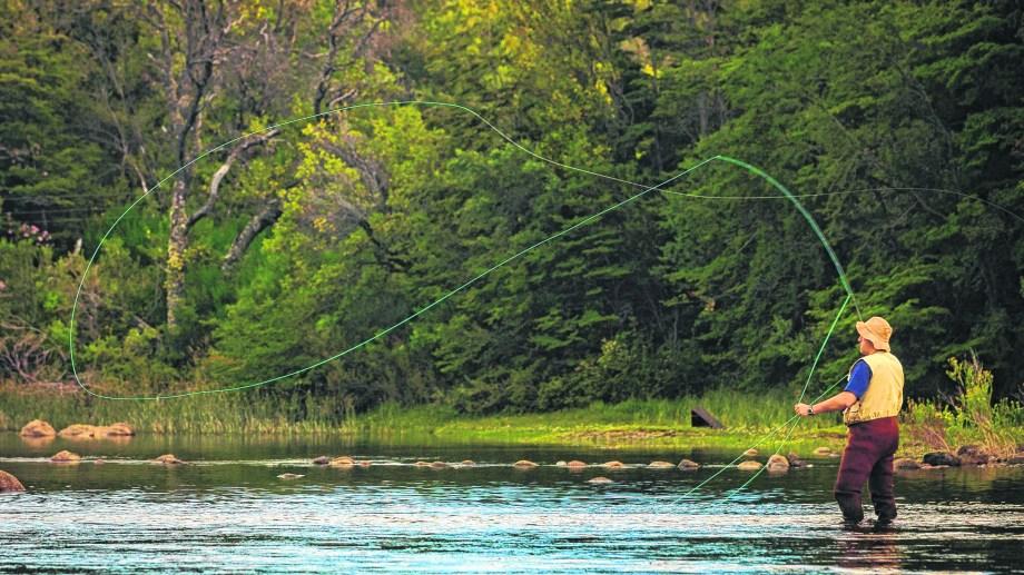 El turismo de la pesca con mosca sería un alivio para el alicaído sector cordillerano. Patricio Rodríguez
