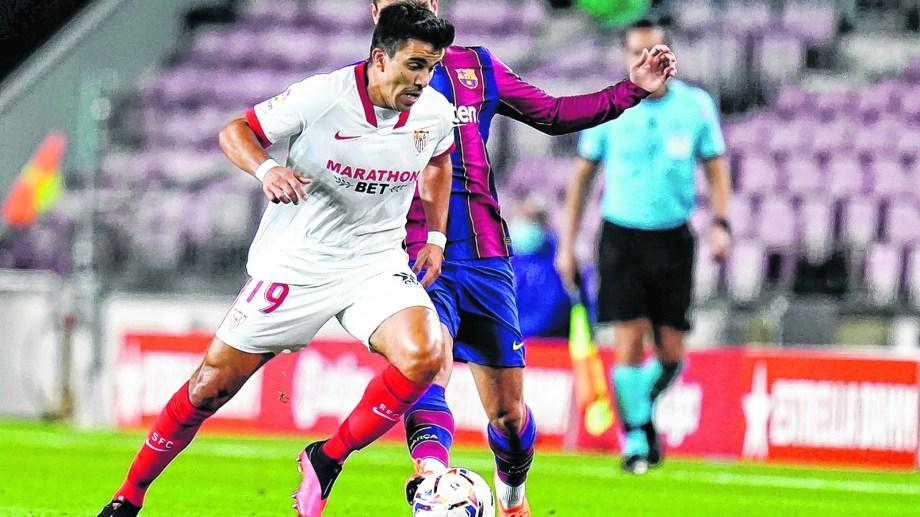 Acuña jugará la Champions junto a su nuevo equipo, Sevilla, que hoy visita al Chelsea, en Londres.
