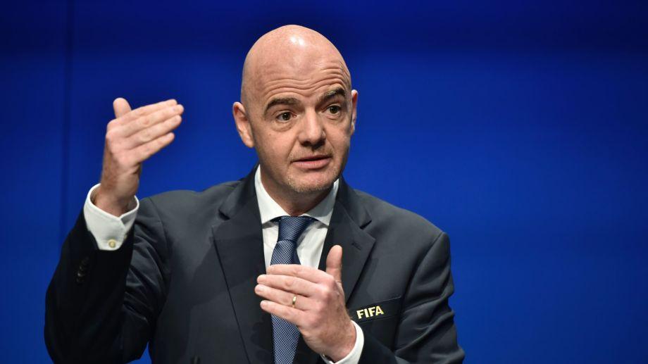 El presidente de FIFA anunció hoy su contagio.