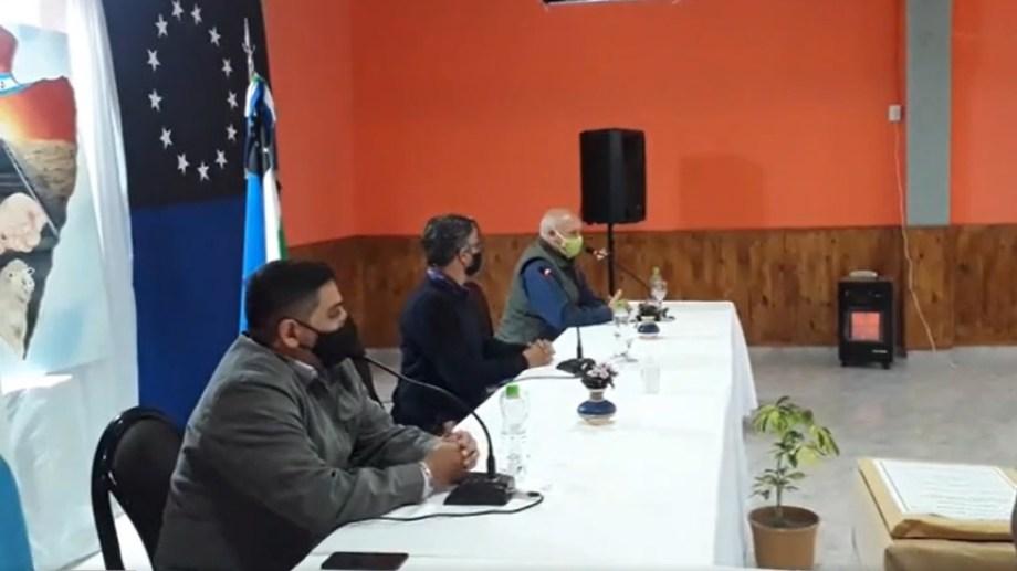 El intendente Nelson Quinterio presidió el acto junto al Ministro de Obras Públicas, Carlos Valeri y al Ministro de Salud, Fabian Zgaib.