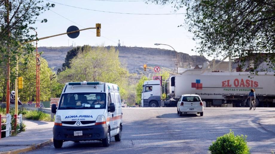 En San Martín y Ruta 22 se instalará un semáforo sonoro. (Foto Néstor Salas)