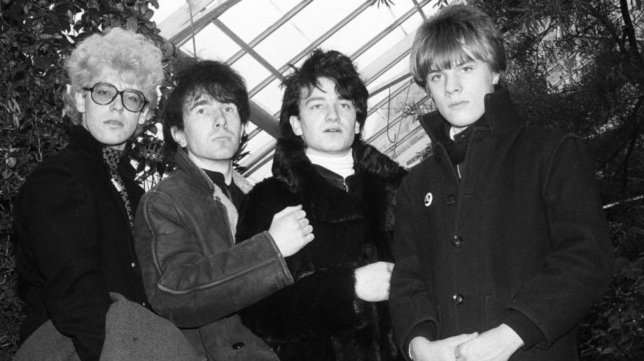 Los U2 1980: el bajista Adam Clayton, el guitarrista The Edge, el cantante Bono y el baterista Larry Mullen Jr.