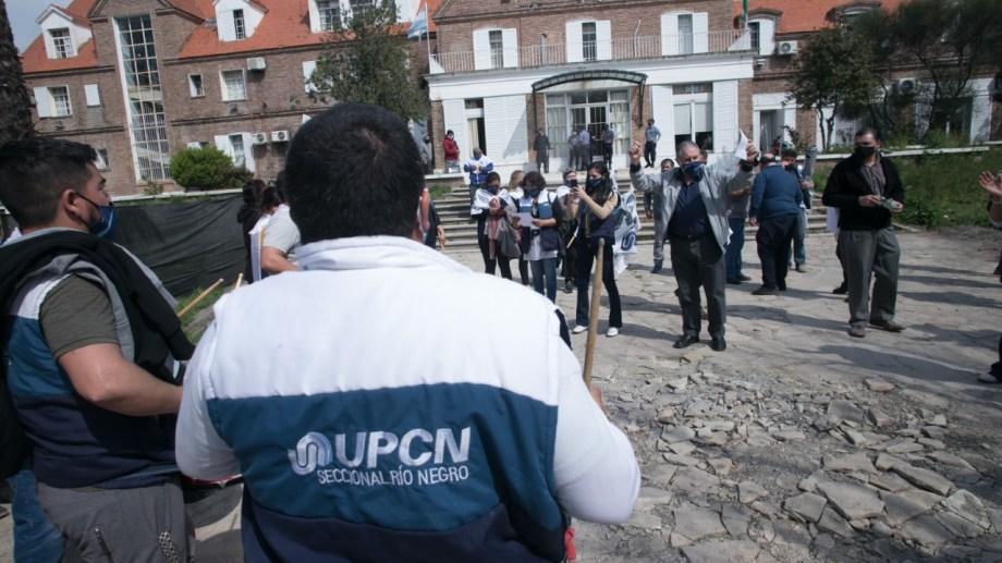 UPCN, con Scales, frente a Economía en la última reunión de la Función Publica. Fotos: P.Leguizamon.