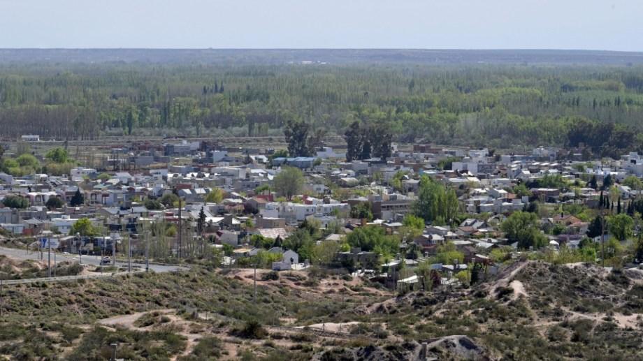 El barrio Rincón de Emilio y el country Rincón Club están ubicados sobre la ribera del río Neuquén (Foto Florencia Salto)