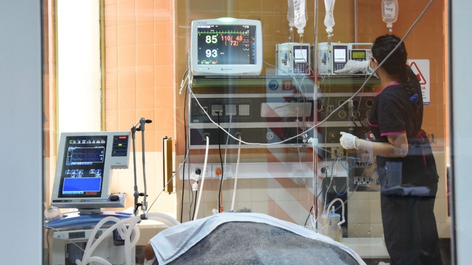 La ocupación de terapia intensiva está en 99% desde hace semanas en Neuquén. Foto: Archivo.