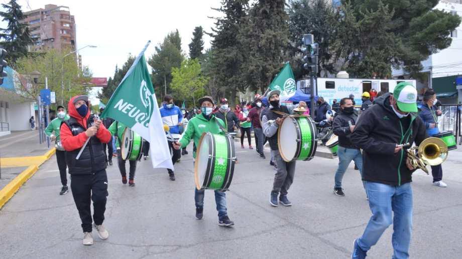 Los estatales marcharon por primera vez desde la pandemia hace 15 días por el centro de Neuquén. Foto: archivo Yamil Regules.