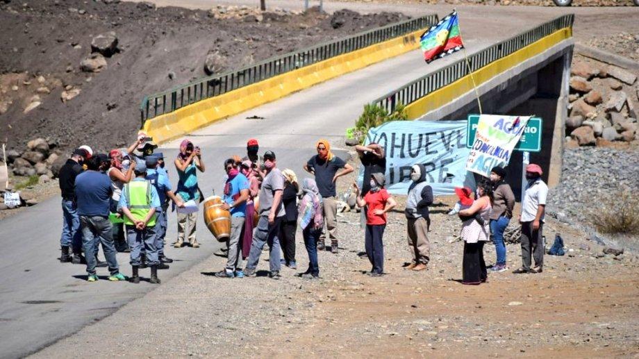La situación de tensión con la policía comenzó desde el pasado martes. Foto: Nicolás Fuentes.
