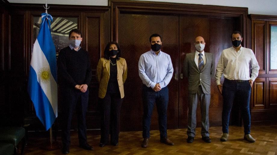 Martínez se reunió ayer con el nuevo equipo de trabajo de Energía.