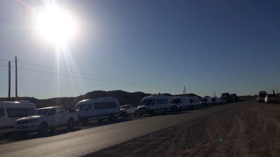 En Añelo cortaron el paso hacia los yacimientos petroleros. (Foto: Gentileza).