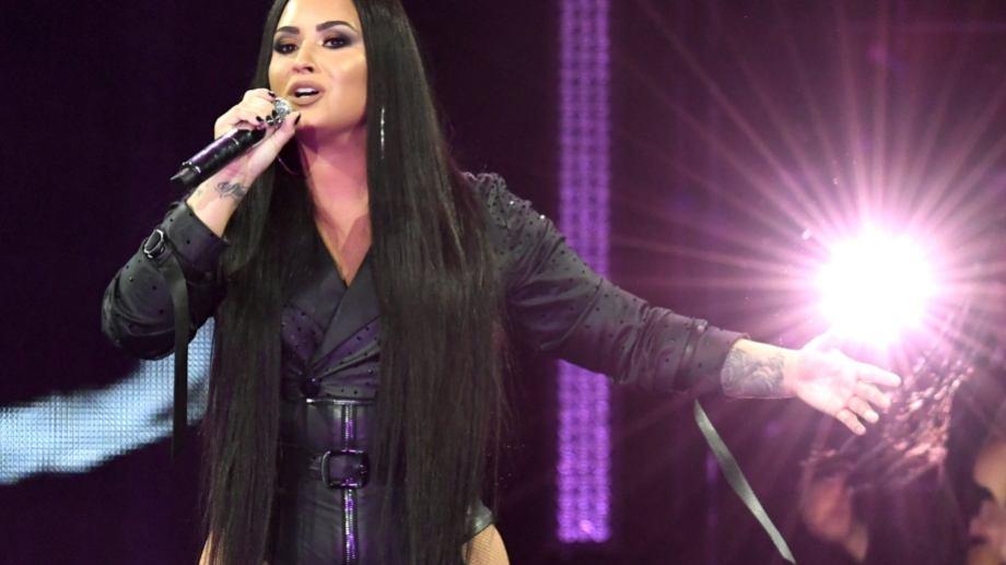 """Demi Lovato estrenó el single """"Commander in Chief""""."""