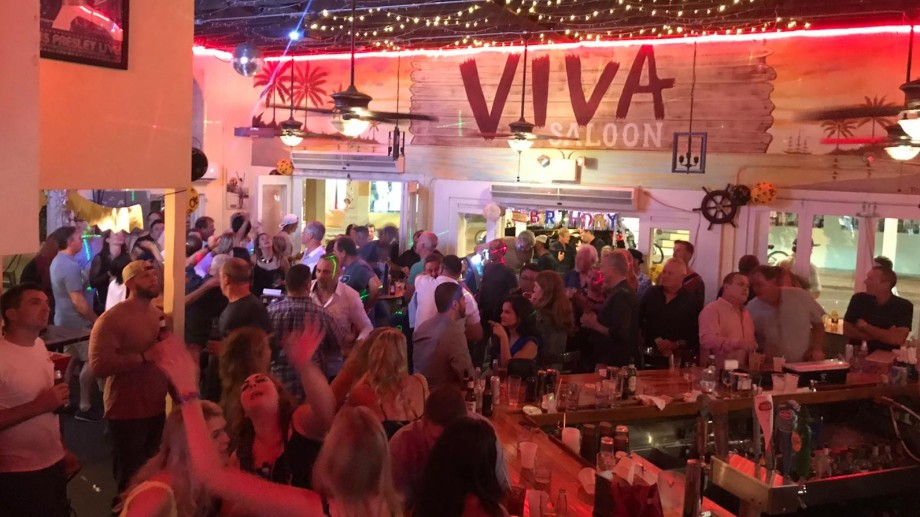 Viva Argentinian Steakhouse a pleno antes de la pandemia. Es el restaurante en Key West del cipoleño Alfredo Giménez y su socio porteño Gastón Beck. Se hicieron amigos trabajando en una petrolera.
