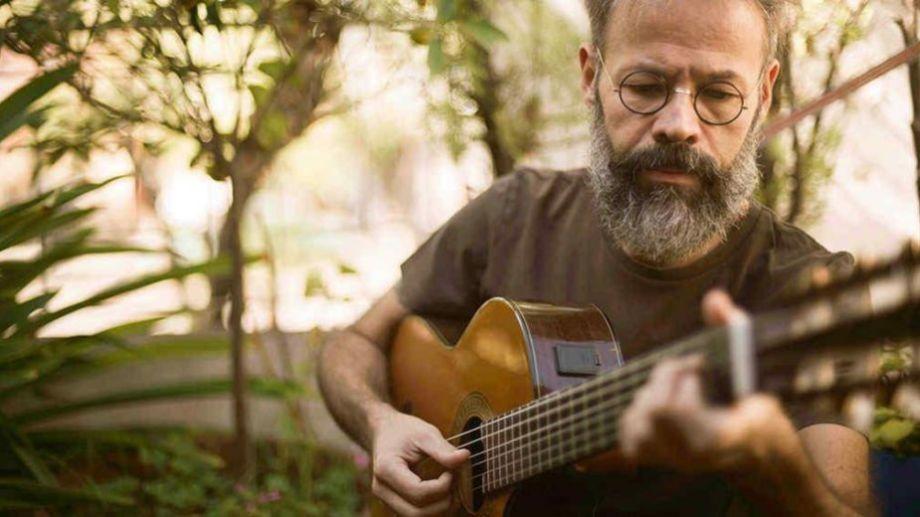 Con una extensa carrera en el ámbito musical, Ferro además se sumergió en otras disciplinas del arte.