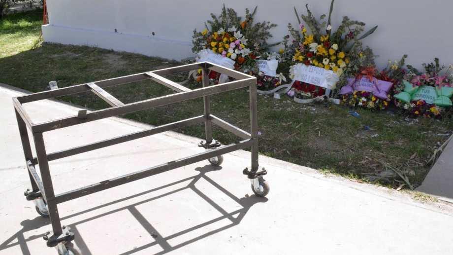 El cementerio central de Neuquén fue adecuado para recibir una mayor cantidad de muertos a partir de marzo. (Yamil Regules)