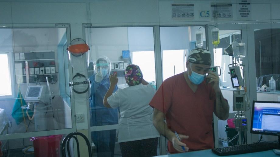 La unidad de Terapia Intensiva del Zatti trabaja al límite. Foto: Pablo Leguizamón.