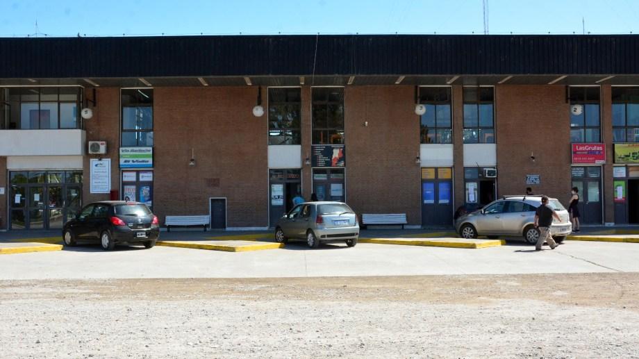La Terminal de Viedma, aún solamente para servicios especiales y encomiendas. Foto: Marcelo Ochoa