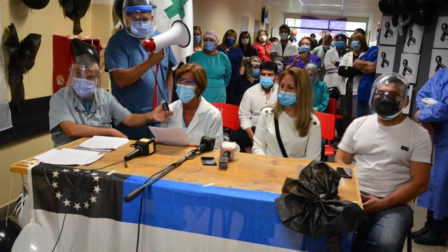 Los integrantes de la Asamblea de Trabajadores dieron a conocer un documento. Foto: Marcelo Ochoa