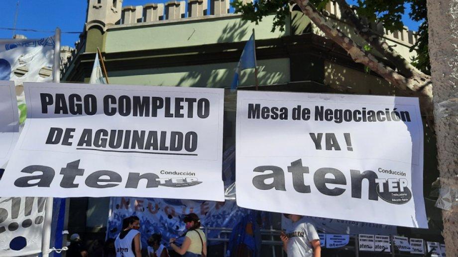 El sindicato de los docentes montó una intervención en Casa de Gobierno. Foto: gentileza.