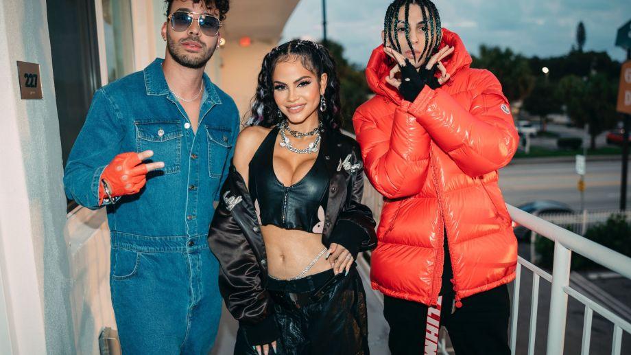 """Prince Royce, Natti Natasha y KHEA, juntos para """"Ayer llamó mi ex""""."""