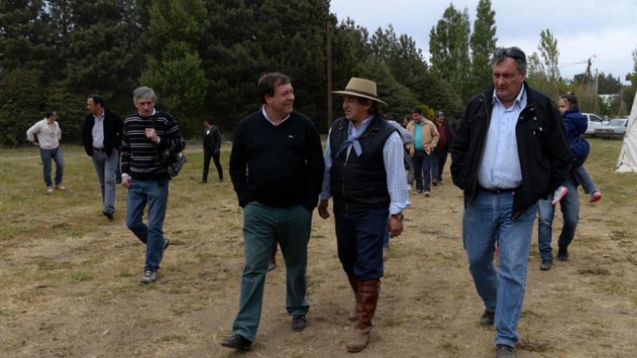 """Alejandro """"Taca"""" Nahuelquín y su esposa ingresaron al Gobierno provincial con la gestión de Weretilneck y habían sido ratificados por Carreras hasta la semana pasada. Archivo"""