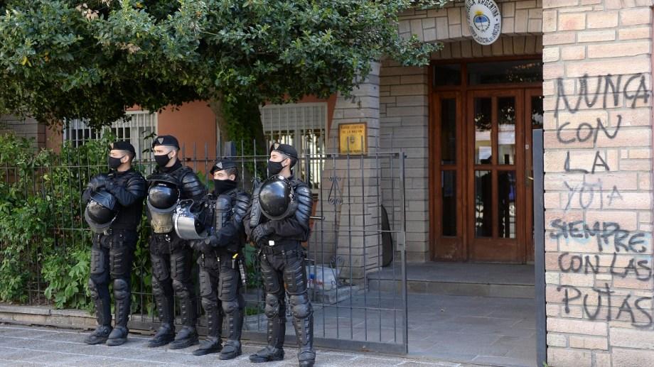 El juez federal subrogante de Bariloche, Gustavo Zapata, dictó el lunes la resolución, que fue impugnada ante la Cámara Federal de Casación Penal. (foto archivo)
