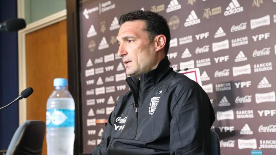 El entrenador del seleccionado argentino dio una conferencia virtual antes de emprender viaje a Lima junto a la delegación argentina.