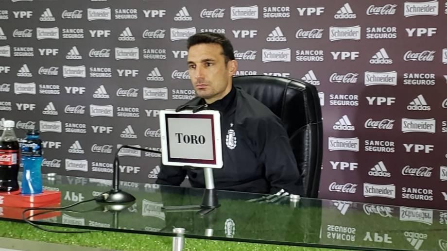 El entrenador de la selección argentina podría presentar variantes en el equipo, más allá de la salida obligada de Exequiel Palacios por lesión.