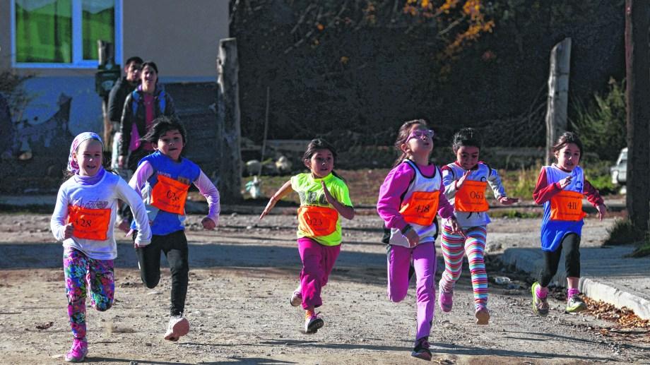 El coronavirus obligó a suspender todas las fechas del calendario de las carreras de calle en los barrios de Bariloche. Archivo