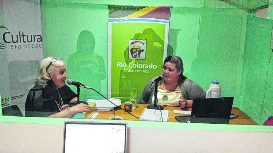 El proyecto radial cuenta con la participación de la gente de Desarrollo Social, que realiza un acompañamiento a los adultos.