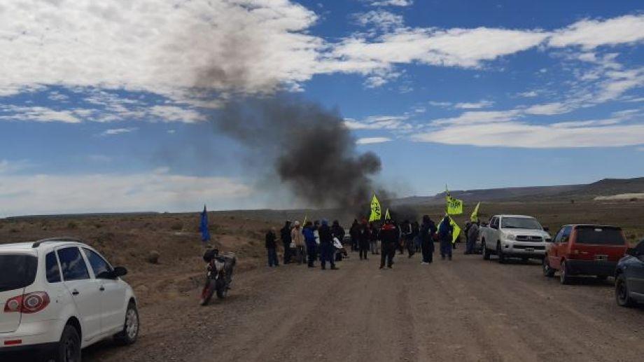 La medida de fuerza se desarrolló a unos 8 kilómetros al oeste de Jacobacci. Foto: José Mellado.