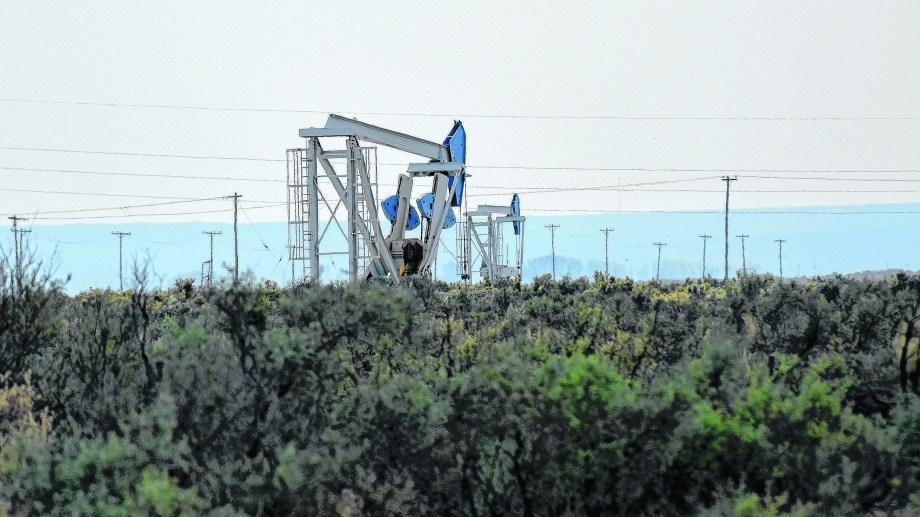hidrocarburíferas.        La producción de petróleo y las regalías cayeron con relación a los números del mes anterior.   (Foto: archivo)
