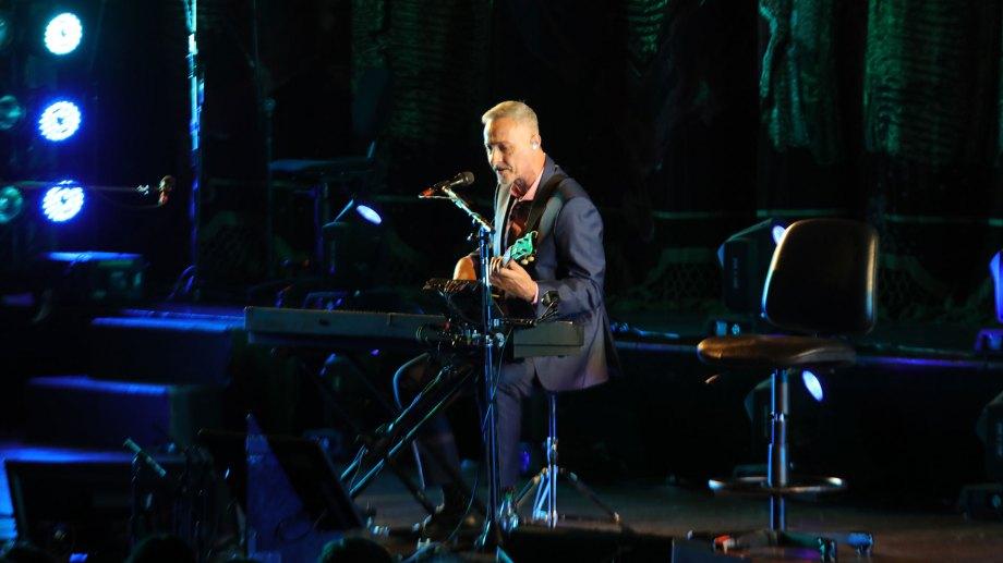 Pedro Aznar, durante el concierto que ofreció en el Teatro Colón, en marzo de 2019.