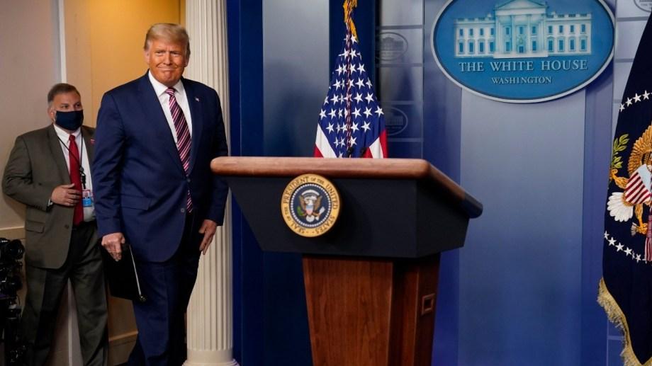 El candidato republicano brindo hoy una dura conferencia de prensa.