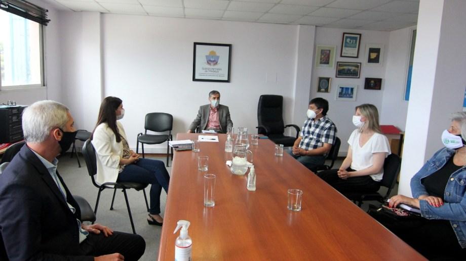 La ministra de Gobierno, Vanina Merlo, y su par de Economía, Guillermo Pons, asistieron por el Ejecutivo. Foto: Oscar Livera.