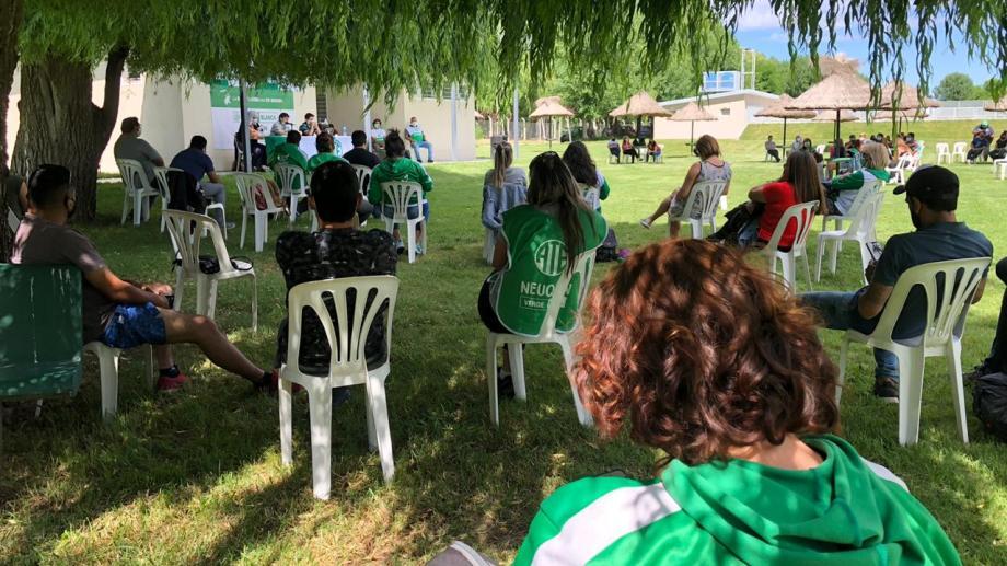 El plenario se realizó en el predio de ATE en Plottier. Foto: Prensa ATE