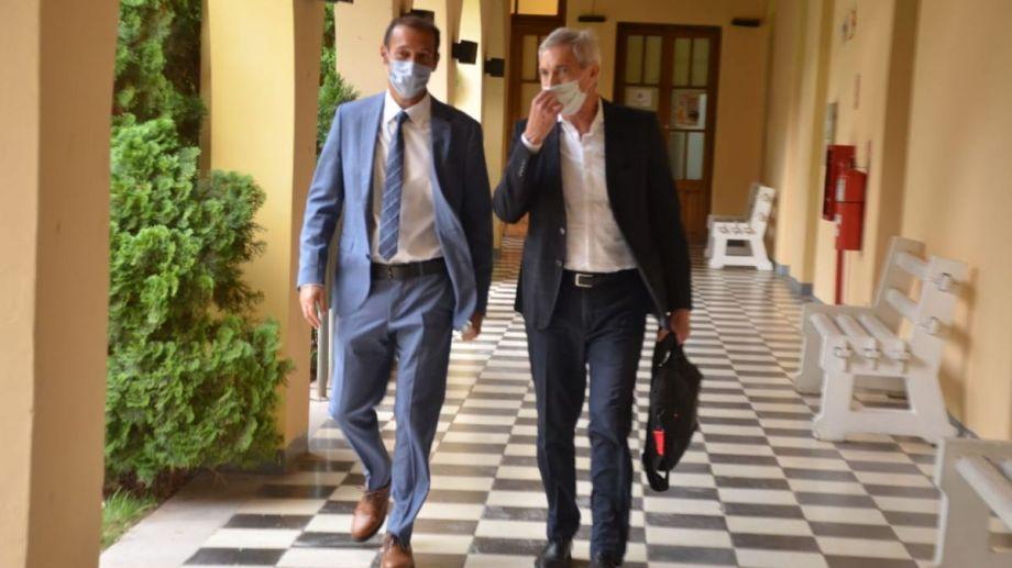 El gobernador y el ministro, quien hoy asistirá por vía remota a la comisión de Presupuesto de la Legislatura. Foto: archivo Yamil Regules.