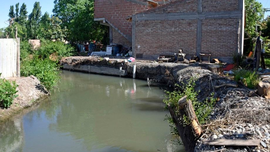 Tramo del Arroyo Durán en cercanías de la calle Río Negro (foto Florencia Salto)