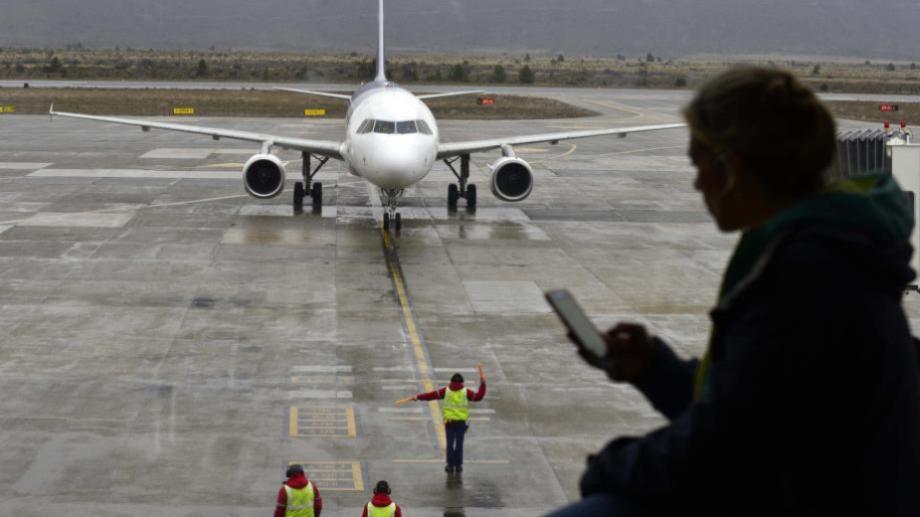 El primer vuelo aerocomercial arribó el viernes a Bariloche. Foto: archivo