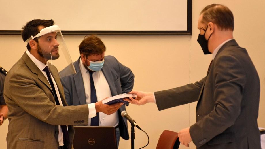 El defensor Elio García, el fiscal Agustín García y el juez Lucas Yancarelli en la audiencia de selección de jurados. Foto Florencia Salto.