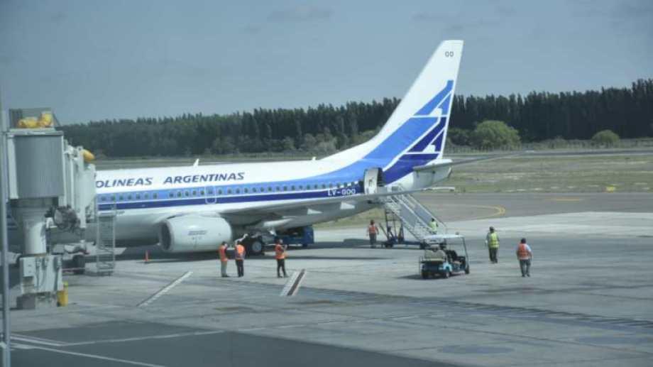 Aerolíneas Argentinas  retomó sus servicios  en el aeropuerto de Neuquén en octubre del 2020. Foto: Florencia Salto